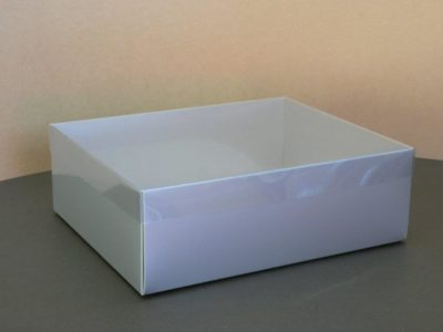 R8-Silver-Gloss-R8 – Box with Lid – 300mm x 240mm x 100mm